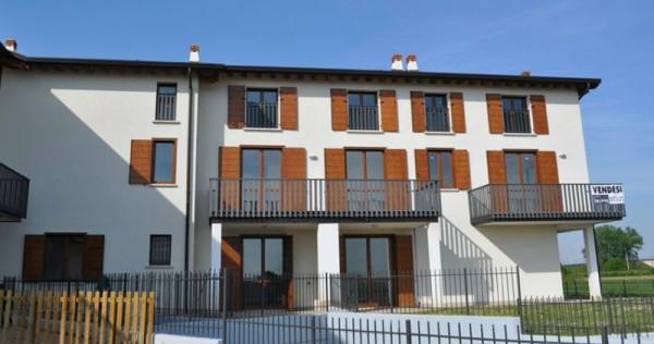Appartamento in vendita a Bagnolo San Vito, 3 locali, prezzo € 85.000 | Cambio Casa.it