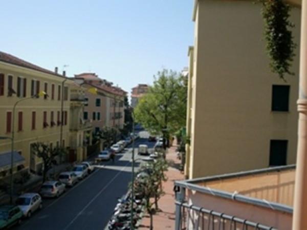 Appartamento in vendita a Ventimiglia, 6 locali, prezzo € 360.000 | CambioCasa.it