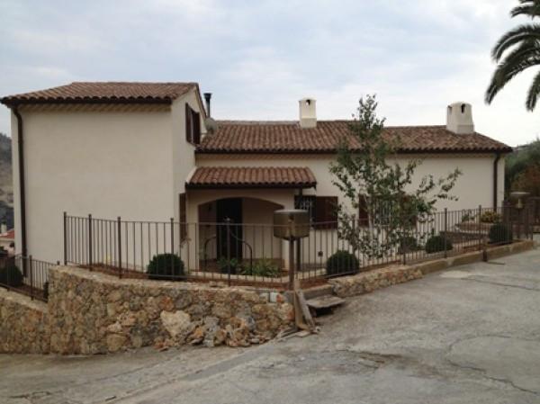 Villa in vendita a Ventimiglia, 6 locali, Trattative riservate | CambioCasa.it