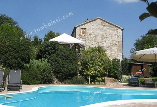 Rustico / Casale in vendita a Arcevia, 6 locali, prezzo € 398.000 | Cambio Casa.it