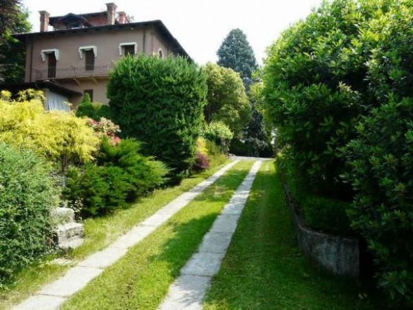 Villa in vendita a Biella, 6 locali, prezzo € 850.000 | Cambio Casa.it