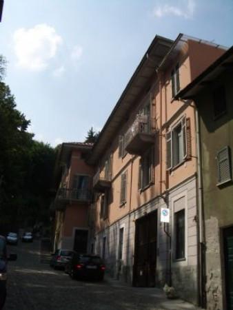 Palazzo / Stabile in Vendita a Biella