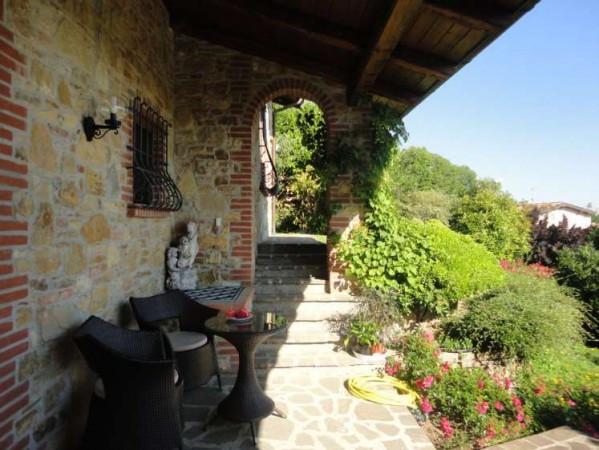 Villa in Vendita a Gazzola