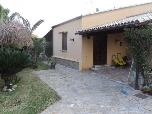 Villa in Vendita a Campofelice di Roccella