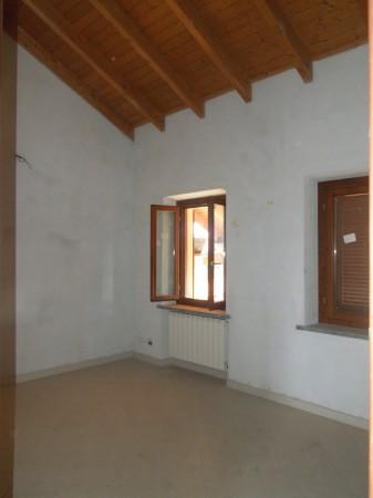 Appartamento in vendita a Fontaneto d'Agogna, 3 locali, prezzo € 85.000 | Cambio Casa.it
