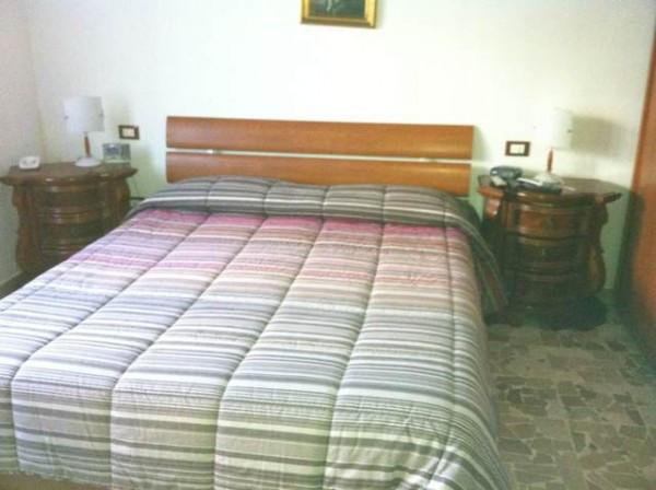 Appartamento in Affitto a Montignoso