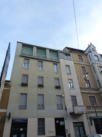Bilocale Milano Via Nino Oxilia 7