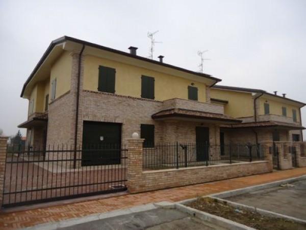 Villa a Schiera in vendita a Cavezzo, 6 locali, prezzo € 244.000 | CambioCasa.it