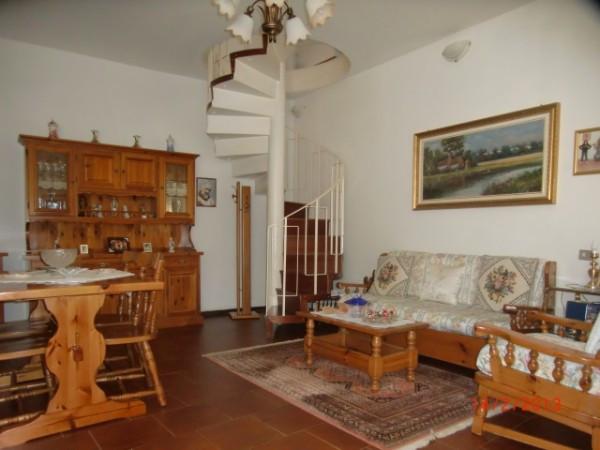 Appartamento in vendita a Valbrona, 3 locali, prezzo € 85.000 | Cambio Casa.it