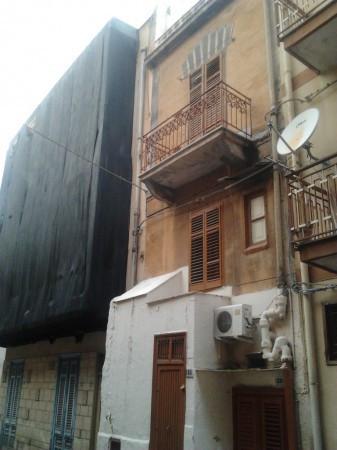Palazzo in Vendita a Bagheria Centro: 4 locali, 75 mq