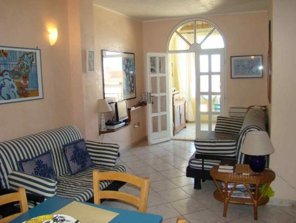 Appartamento in vendita a Dorgali, 3 locali, prezzo € 130.000 | Cambio Casa.it
