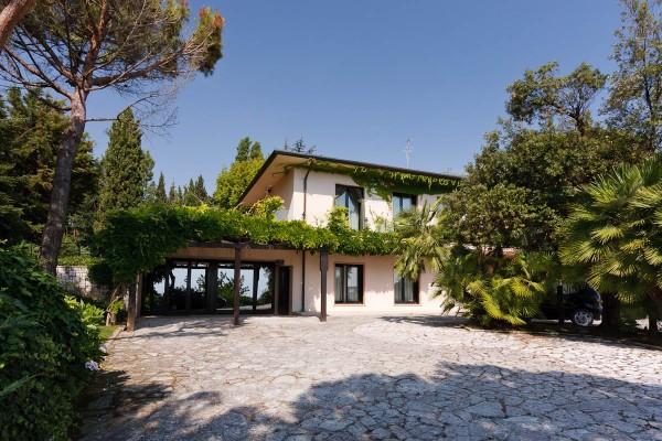 Villa in vendita a Falconara Marittima, 6 locali, Trattative riservate | Cambio Casa.it