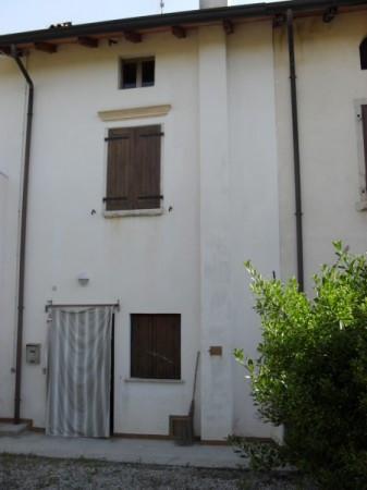 Rustico / Casale in vendita a Zoppola, 4 locali, prezzo € 55.000 | Cambio Casa.it