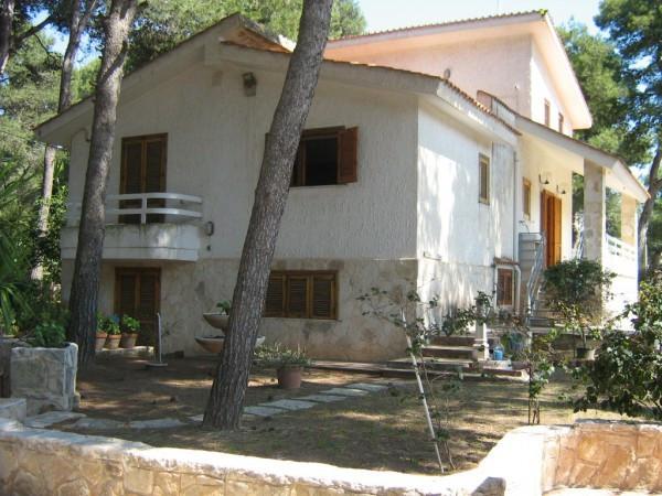 Villa in vendita a Pulsano, 5 locali, prezzo € 275.000 | CambioCasa.it