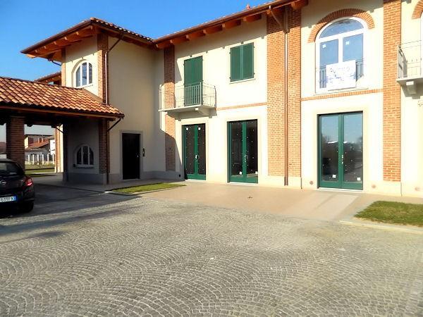 Negozio-locale in Vendita a Buttigliera D'Asti Centro: 3 locali, 85 mq