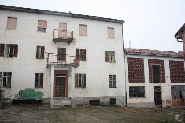 Rustico / Casale in vendita a Azzano d'Asti, 6 locali, prezzo € 65.000 | CambioCasa.it