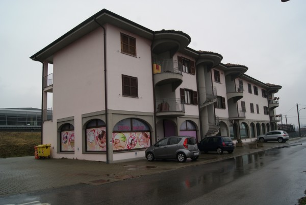 Negozio-locale in Vendita a Bollengo: 98 mq
