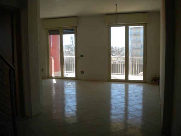 Appartamento in vendita a Borgomanero, 4 locali, prezzo € 235.000 | Cambio Casa.it