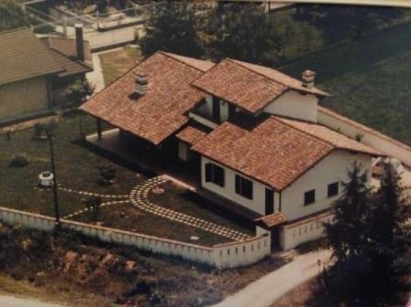 Villa in vendita a San Colombano al Lambro, 4 locali, prezzo € 370.000 | Cambio Casa.it