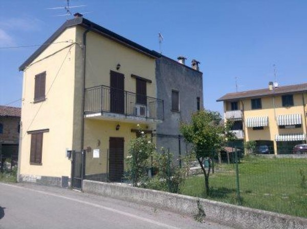 Soluzione Indipendente in vendita a Sant'Angelo Lodigiano, 4 locali, prezzo € 150.000 | Cambio Casa.it