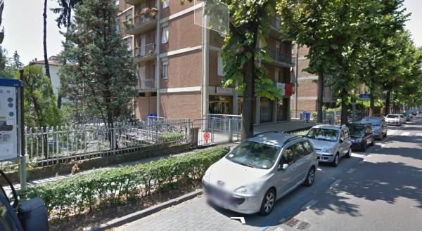 Negozio in affitto a Parma in Viale Milazzo