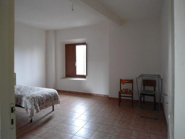 Appartamento in vendita a Monte Romano, 3 locali, prezzo € 45.000 | Cambio Casa.it