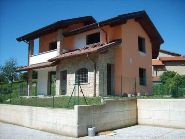 Villa in vendita a Ferrera di Varese, 5 locali, prezzo € 340.000 | Cambio Casa.it
