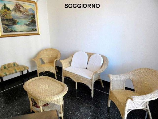 Affitto  bilocale Genova Via Gian Battista Gaulli 1 371981