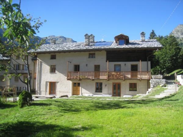 Appartamento in vendita a Gressoney-Saint-Jean, 4 locali, prezzo € 570.000 | CambioCasa.it