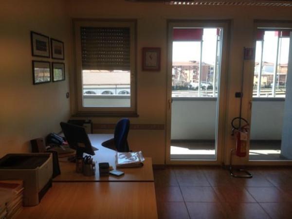 Ufficio / Studio in affitto a Bra, 4 locali, prezzo € 750 | CambioCasa.it