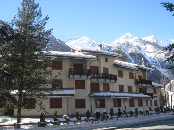 Appartamento in vendita a Gressoney-Saint-Jean, 4 locali, prezzo € 400.000 | CambioCasa.it