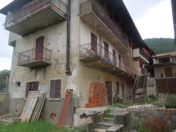 Rustico / Casale in vendita a Miasino, 4 locali, prezzo € 100.000 | CambioCasa.it