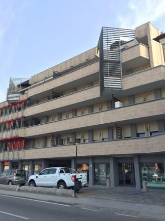Ufficio / Studio in affitto a Bra, 2 locali, prezzo € 600 | CambioCasa.it