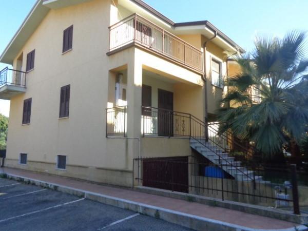 Villa a Schiera in vendita a Siderno, 6 locali, prezzo € 220.000 | CambioCasa.it