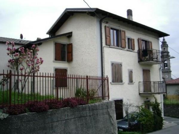 Appartamento in ottime condizioni in vendita Rif. 4423078