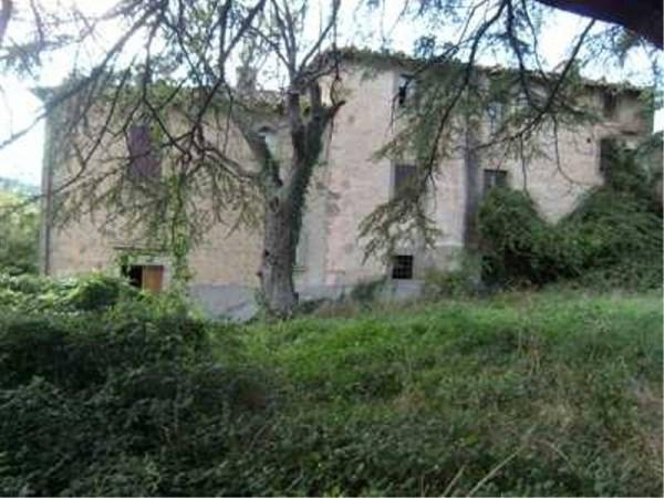 Rustico / Casale da ristrutturare in vendita Rif. 4379248