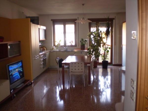 Appartamento in ottime condizioni in vendita Rif. 4283366