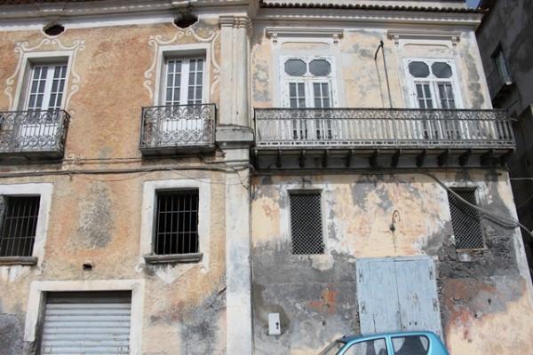 Appartamento da ristrutturare in vendita Rif. 4300816