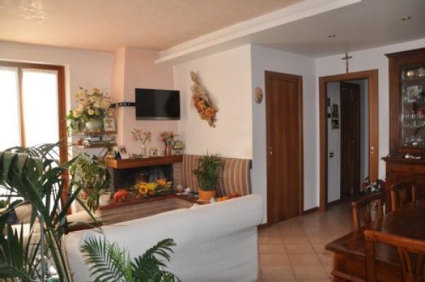 Appartamento in ottime condizioni in vendita Rif. 4244515