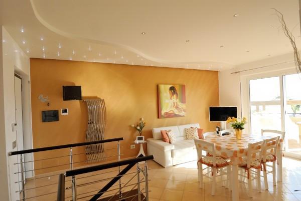 Villa parzialmente arredato in vendita Rif. 4573136