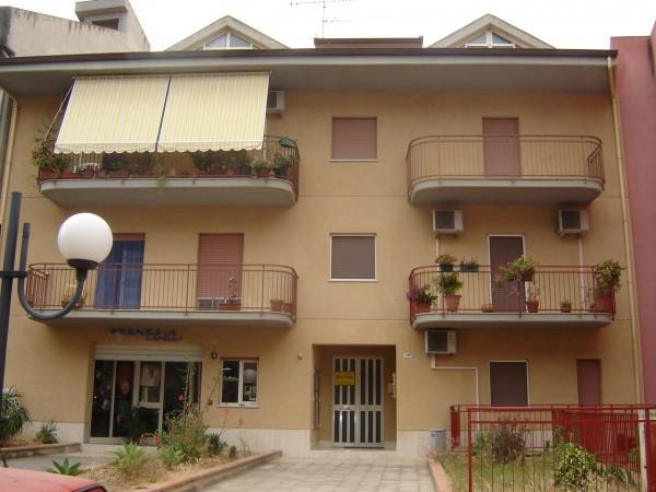 Appartamento in buone condizioni parzialmente arredato in vendita Rif. 4191466
