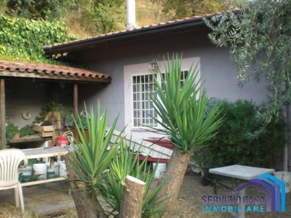 Appartamento in buone condizioni parzialmente arredato in vendita Rif. 4897386