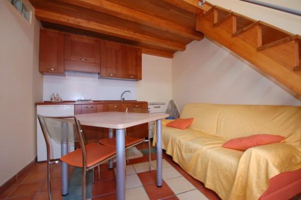 Appartamento in ottime condizioni arredato in affitto Rif. 4504779