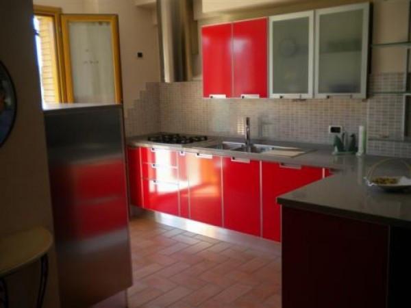 Appartamento in ottime condizioni parzialmente arredato in vendita Rif. 4420245