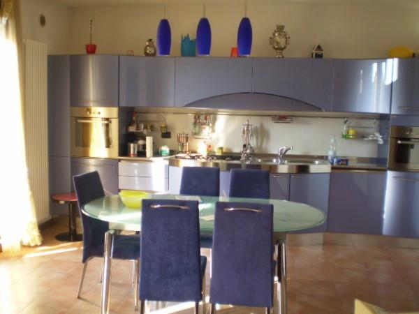 Appartamento in ottime condizioni arredato in affitto Rif. 4283373