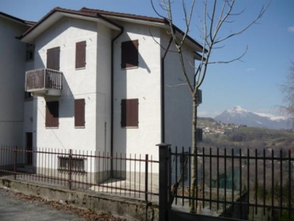 Appartamento da ristrutturare in vendita Rif. 4222557